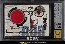 1998 Upper Deck Game Jersey Michael Jordan PATCH AUTO /23 #UD2 BGS 8.5 NM-MT+